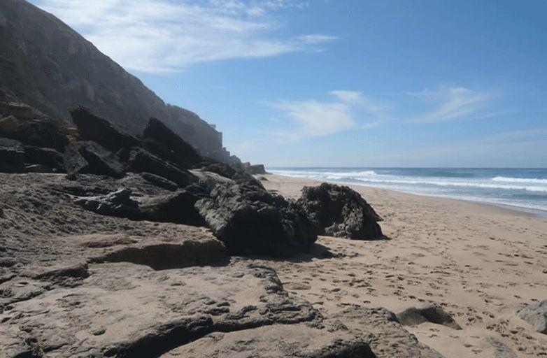 surfspot-lisbon-praia-pequena