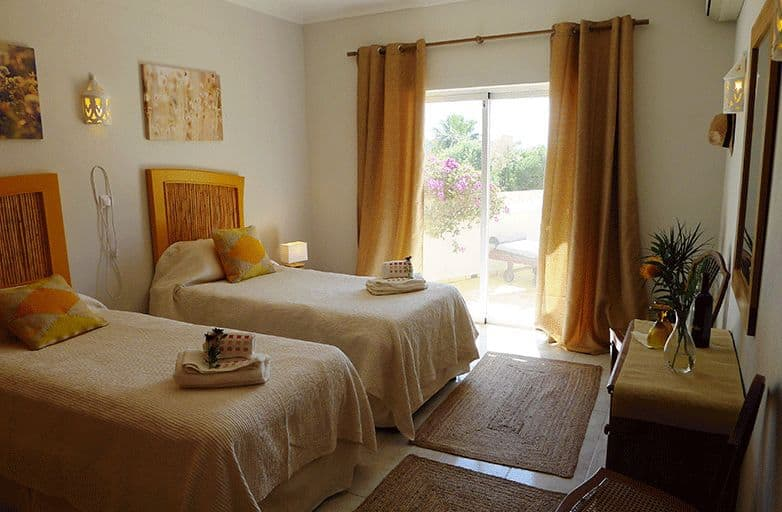 algarve-villa-room-2-betten