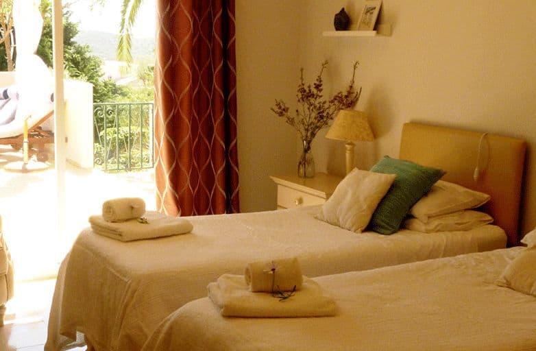 algarve-villa-room-4-einzelbetten