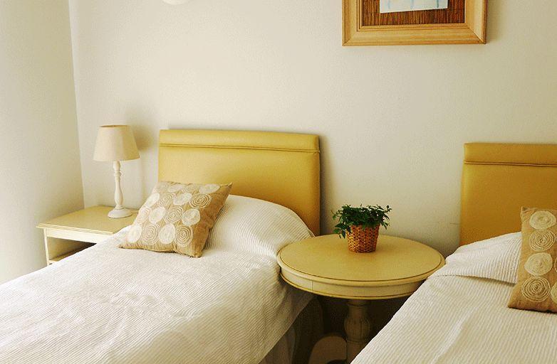 algarve-villa-room-5-einzel-betten-detail