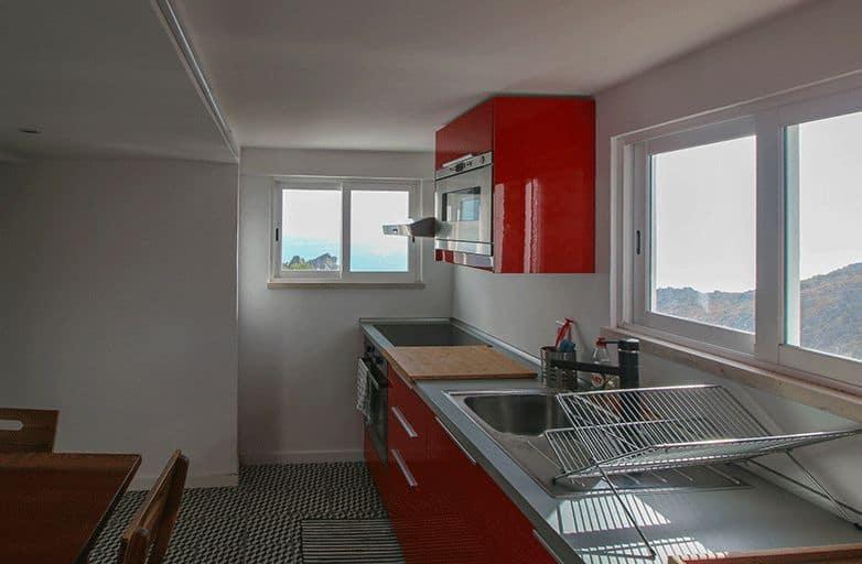 guincho-bay-villa-apartment-kueche