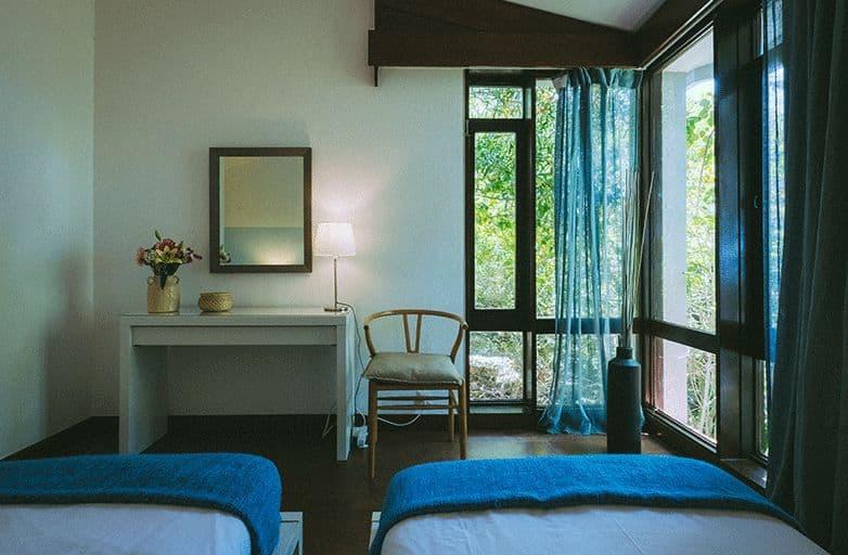 guincho-villa-room-3-aussicht-bett