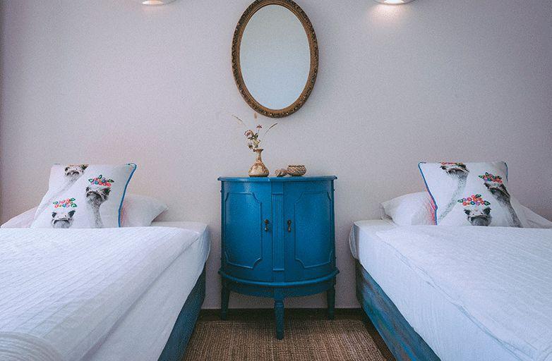 guinchobay-villa-room-2-bett-von-vorne