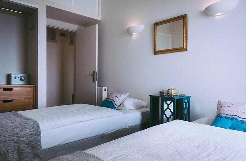 guinchobay-villa-room-3-bett-1