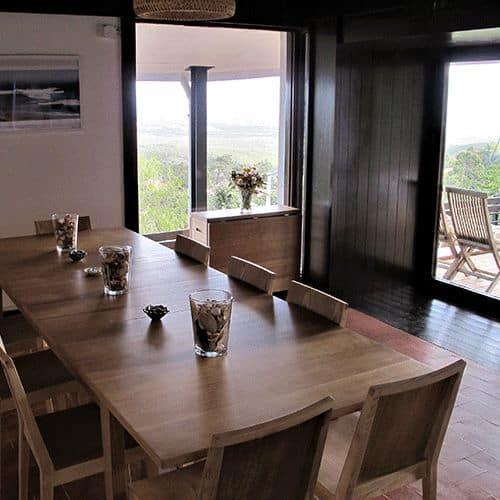 guinchovilla-diningroom-2
