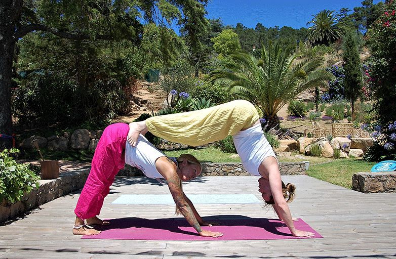 acro-yoga-class-guincho-villa-portugal-DSC_9497-opt-final
