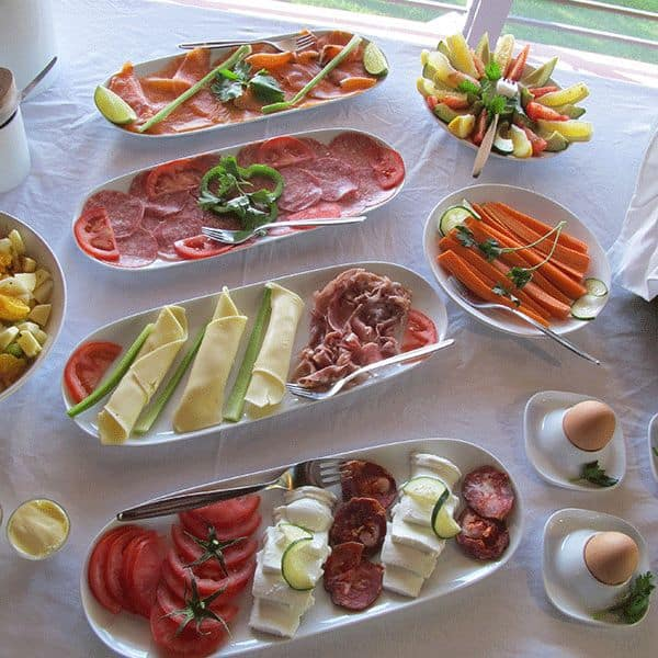 leckeres-essen-breakfast-guinchovilla-2