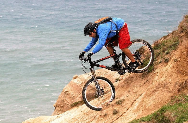 mountainbiking-lisbon-area-coastline-guincho-sitePC-opt-fin