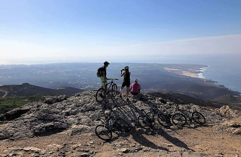 mountainbiking-sintra-mountains-pause-viewpoint-opt-fin