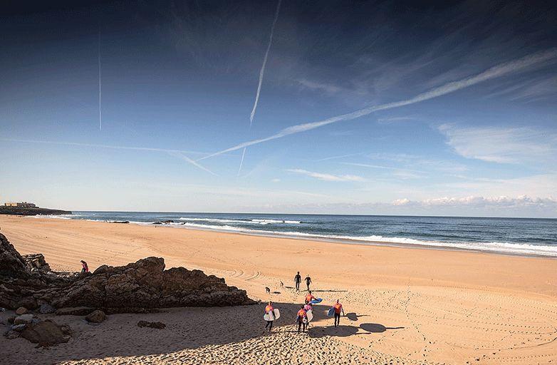 surfing-portugal-lisbon-151029-192_by-Miguel-Ferreira-final