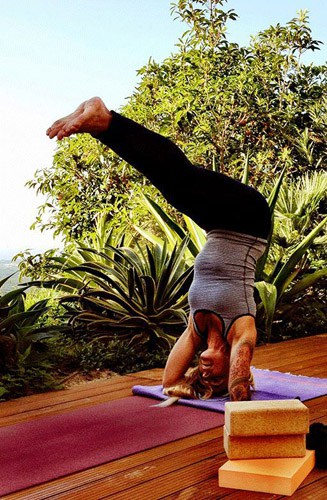 yoga-practie-silvia-guincho-villa-portugal-IMG_5318-final